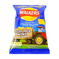 Walkers Unmistakably Cheese & Onion With Cheddar 32.5g